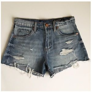[BLANK NYC] THE BARROW high rise cut off shorts